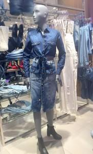 camisa-saia-jeans-lojas-pompeia