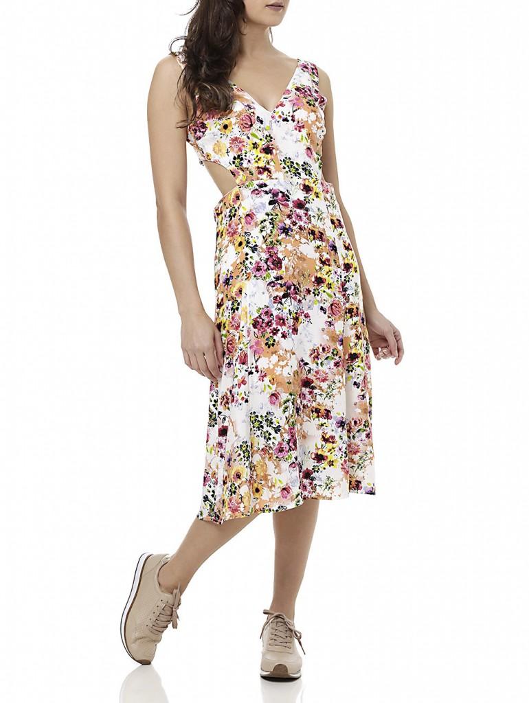 vestido midi floral e tenis lojas pompeia