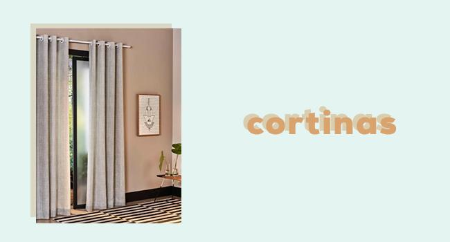"""casa fashion: o post de blog traz a imagem de uma sala com cortina na cor bege e o lettering """"cortinas"""""""