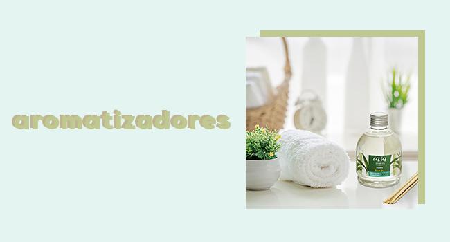 """casa fashion: o post traz um banheiro ambientado com um frasco de difusor de ambientes e, ao lado, temos o lettering """"aromatizadores""""."""