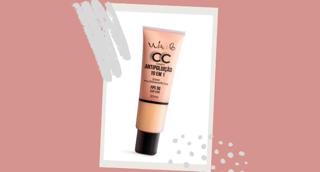 O post é uma montagem. Em fundo rosa, temos uma embalagem da base CC Cream da Vult em destaque.